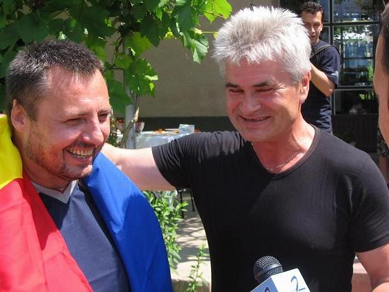 Tudor Popa si Alexandru Lesco la eliberarea lui Popa din Tiraspol