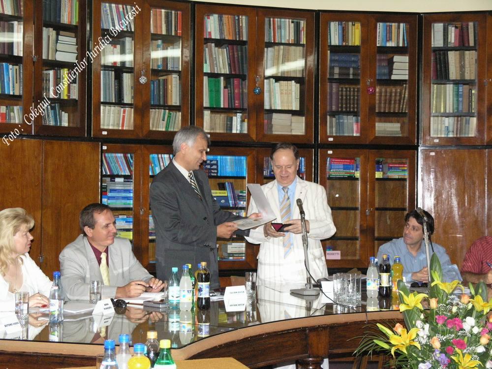 Victor Roncea si Mona Pivniceru la Ziua Justitiei 2006 UJR CSM Civic Media